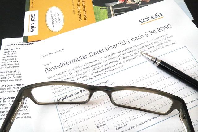 Schufa-Auskunft kostenlos anfordern: Einmal pro Jahr kann jeder einer kostenlose Schufa-Selbstauskunft anfordern.